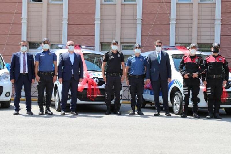 Sivas Belediyesi'nden polise araç desteği