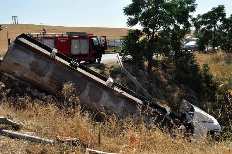 Zincirleme kazada şans eseri kimse yaralanmadı