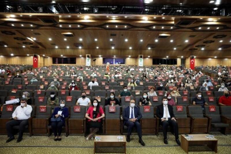 Gaziantep'te öğretmenlere kadına yönelik şiddetle mücadele semineri verildi