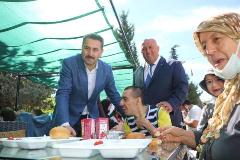 Tokat'ta engelli ve aileleri kahvaltıda buluştu