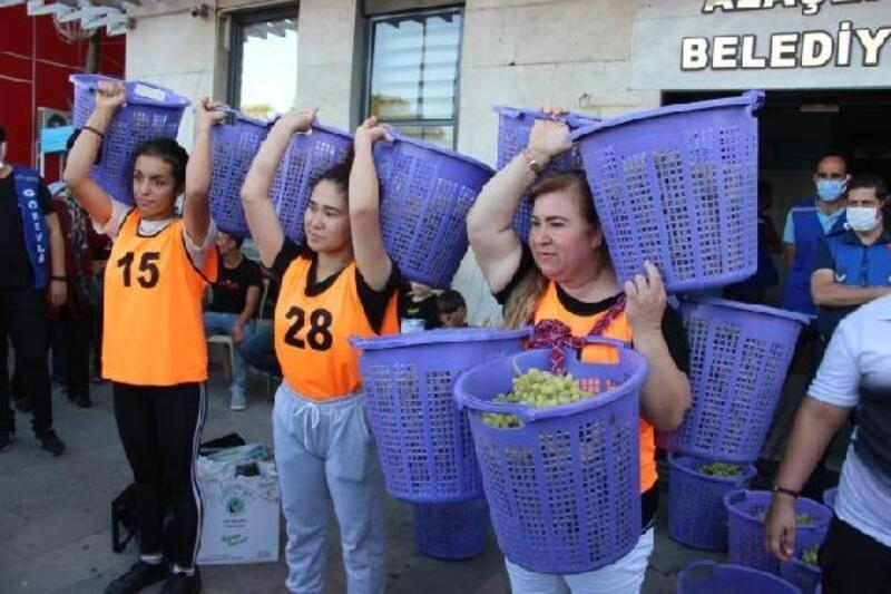 Alaşehir Üzüm Festivali'nde kelter taşıma yarışması yapıldı