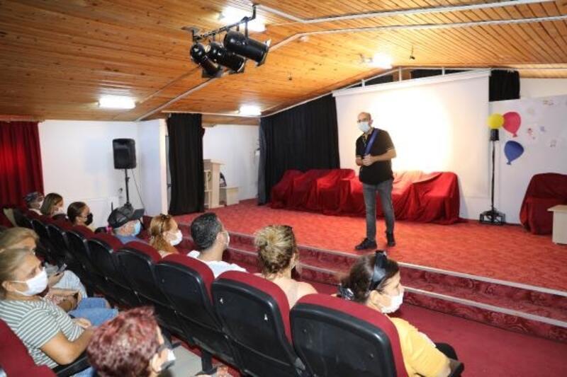 Ünlü oyuncudan Yüreğirli çocuklara tiyatro eğitimi