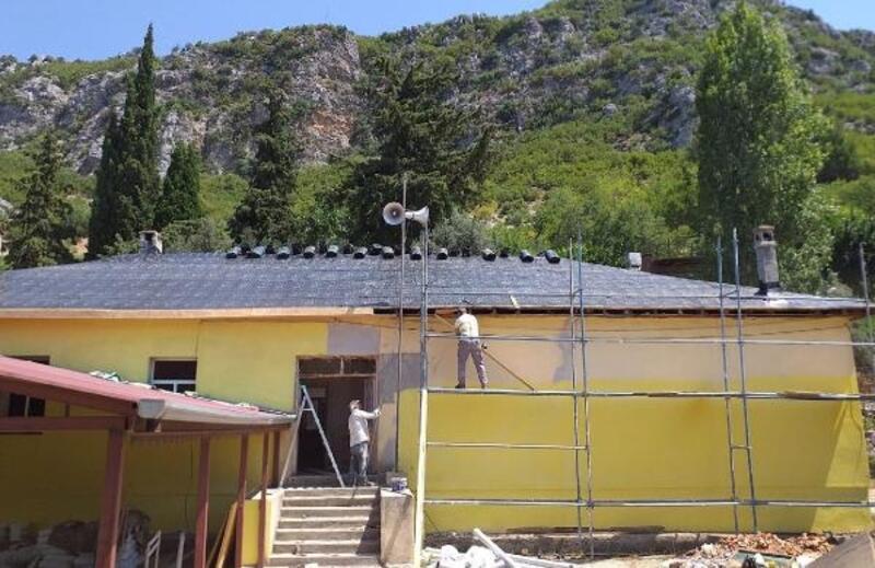 Gündoğmuş Çiçekoluk'ta eski okul binası yenileniyor