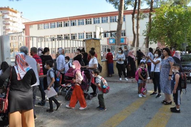 İslahiye'de 19 bin 700 öğrenci eğitime başladı