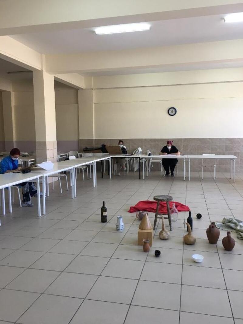 Resim-iş öğretmenliği için özel yetenek sınavı gerçekleştirildi