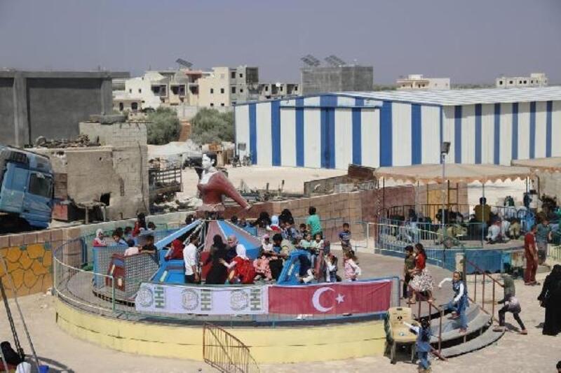 Suriyeli yetim çocuklar şenlikte eğlendi