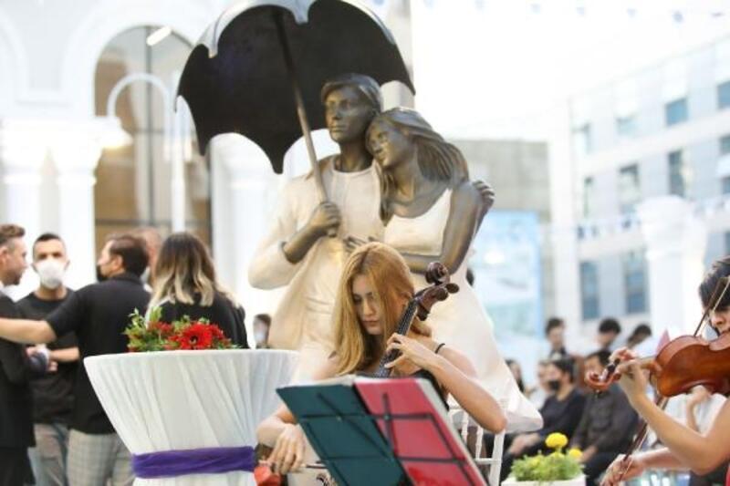 Van'da, Atatürk Sanat Galerisi törenle açıldı