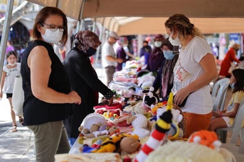 Denizli'de kadın girişimciler hünerlerini sergiledi