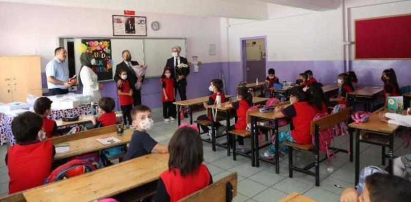 Başkan Yalçın'dan ilk ve ortaokul öğrencilerine ziyaret