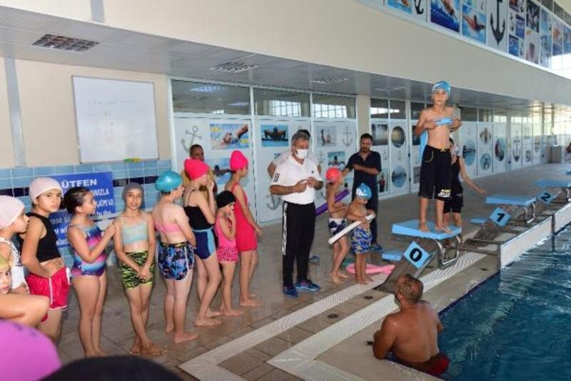 Osmaniye'de yüzme eğitimleri sürüyor