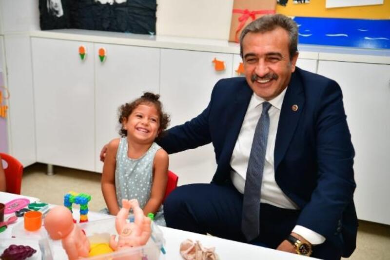 Başkan Çetin semt kreşinde miniklerle buluştu