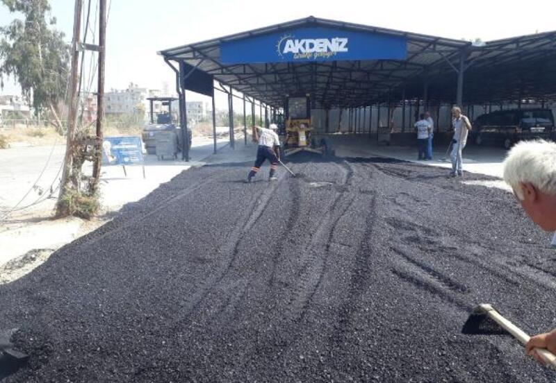 Akdeniz'de asfalt serimi, kaldırım ve kilit taşı yenileme çalışmaları
