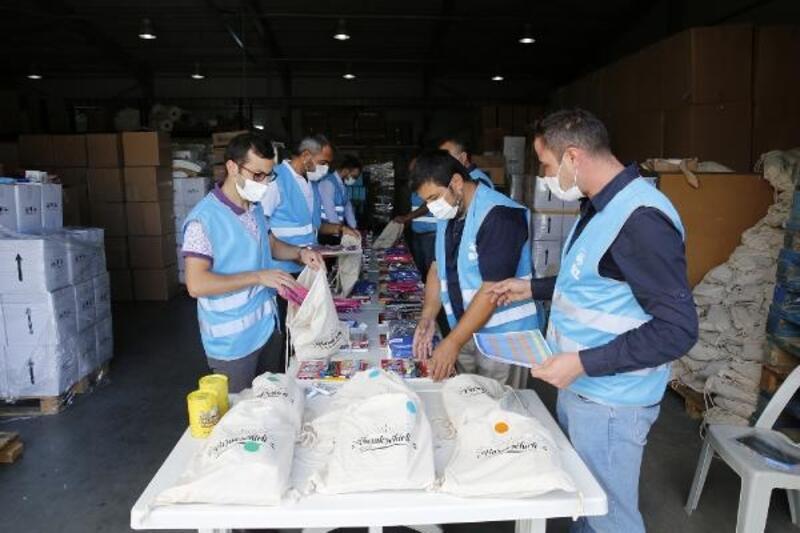 Başakşehir'de 5 bin 500 öğrenciye kırtasiye desteği