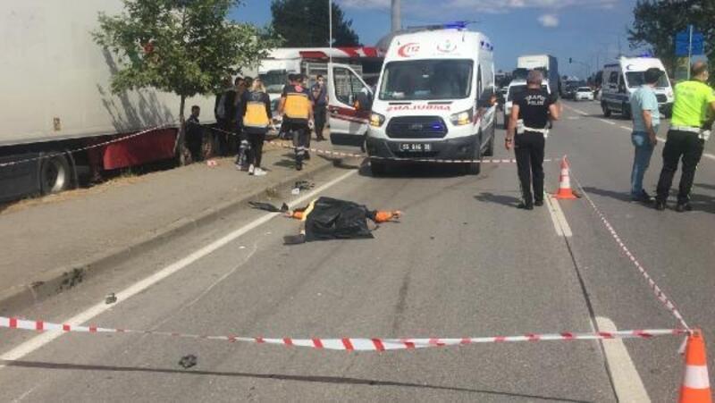 Otomobilin çarptığı motosiklet sürücüsü, öldü