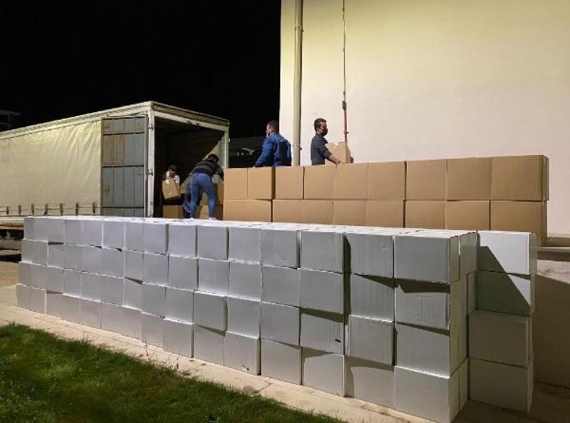 TIR kasasından 374 bin paket kaçak sigara çıktı