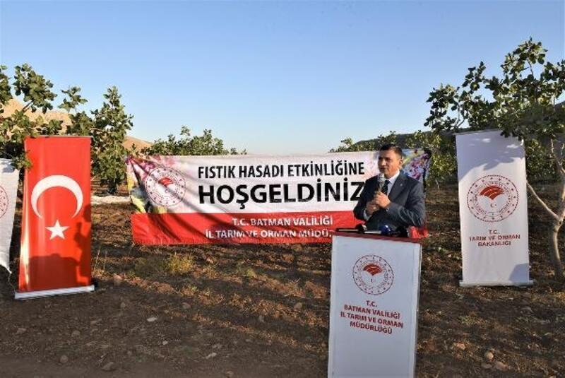 Vali Şahin: Bölge iklimine uygun ürünler yetiştirmeliyiz