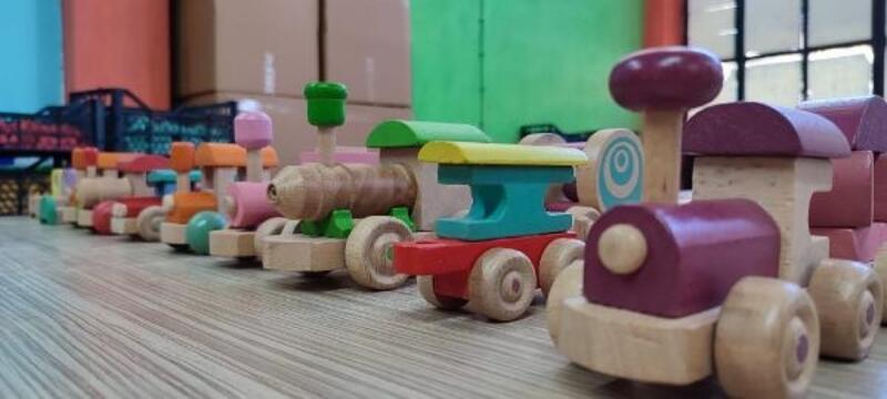 Ahşap oyuncakları ihraç etmeyi hedefliyor