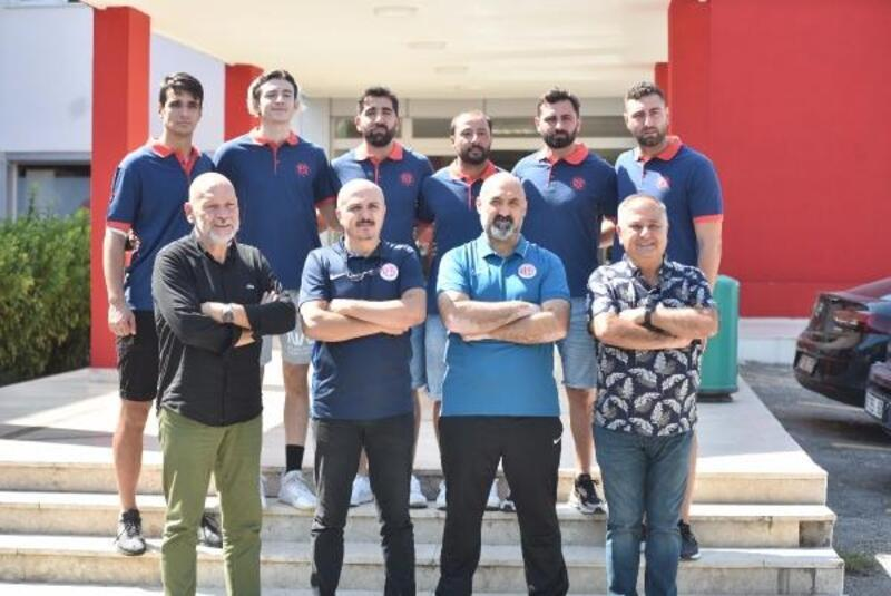 Antalyaspor hentbol takımında 7 imza