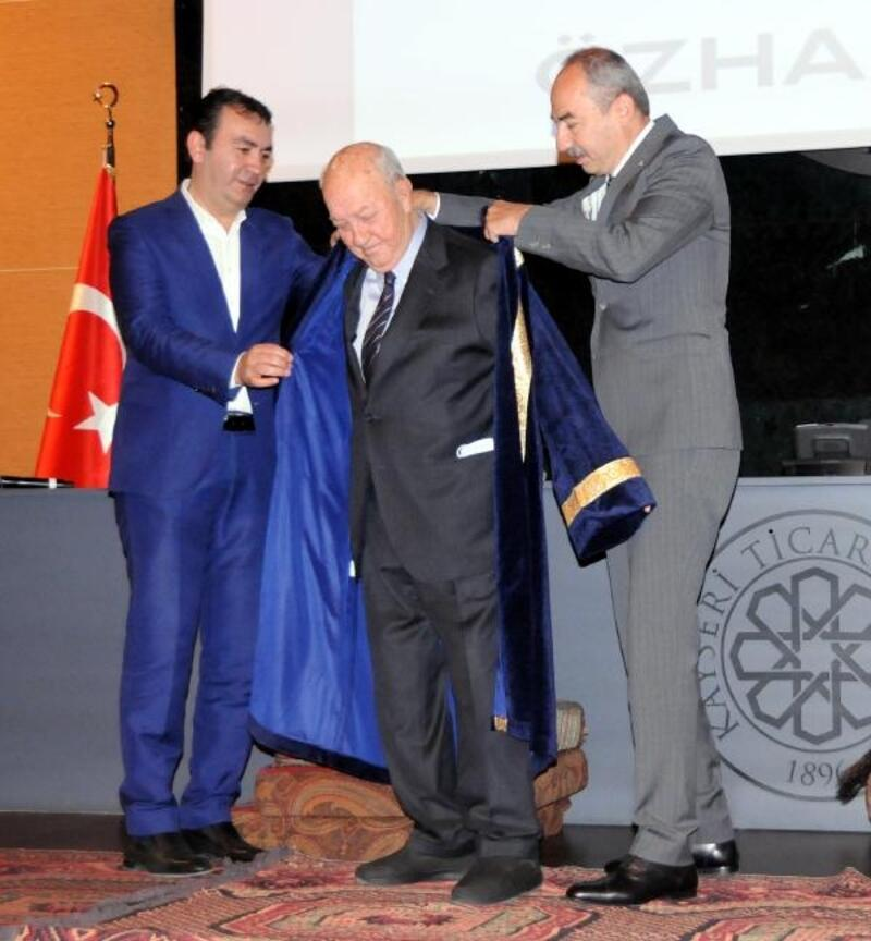 KTO'nun seçtiği yılın ahisine kaftan giydirildi