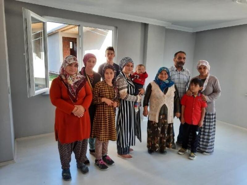 6 kardeş, yangından sonra yenilenen evlerine kavuştu