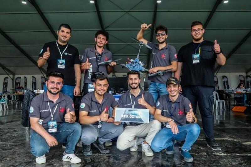 Savaşan İHA Yarışması Döner Kanat kategorisi şampiyonu:  BTÜ ÖZTÜRK