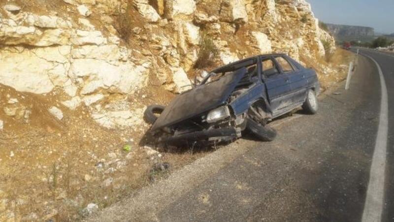 Tarsus'ta iki ayrı kazada 3 kişi yaralandı