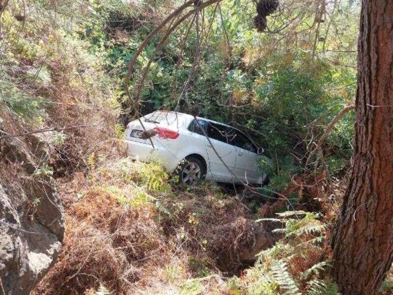 Otomobil şarampolden uçtu: 1 yaralı