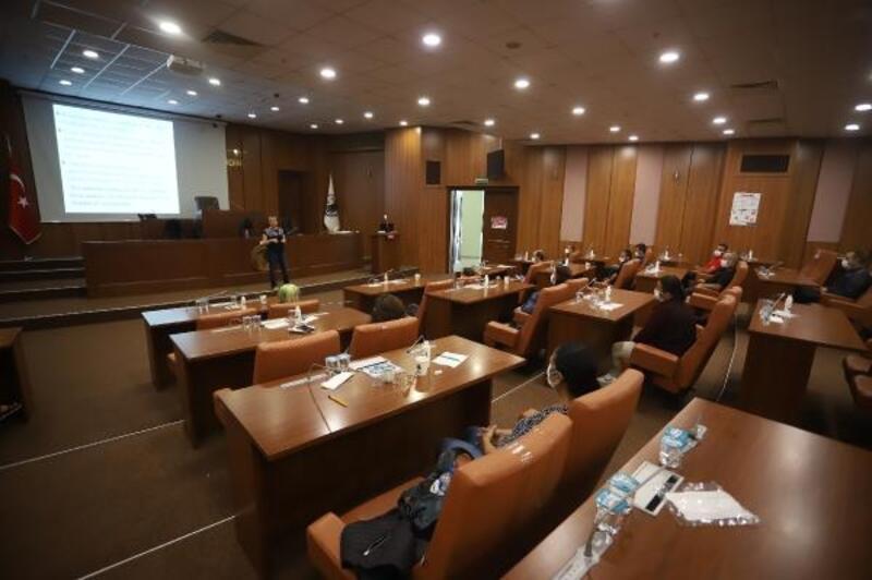 Kartal Belediyesi'nden personele yönelik hijyen eğitimi