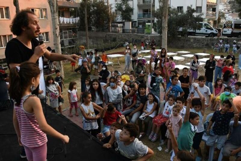 Kuşadası Belediyesi eğlenceyi çocukların ayağına götürüyor