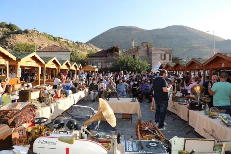 Talas'ta Antika Pazarı'na yoğun ilgi