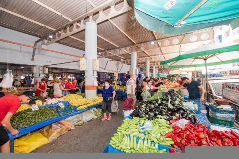 Pazaryerindeki sebze ve meyve atıkları organik gübreye dönüşüyor