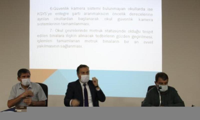 Dinar'da Güvenli Okul Güvenli Gelecek toplantısı