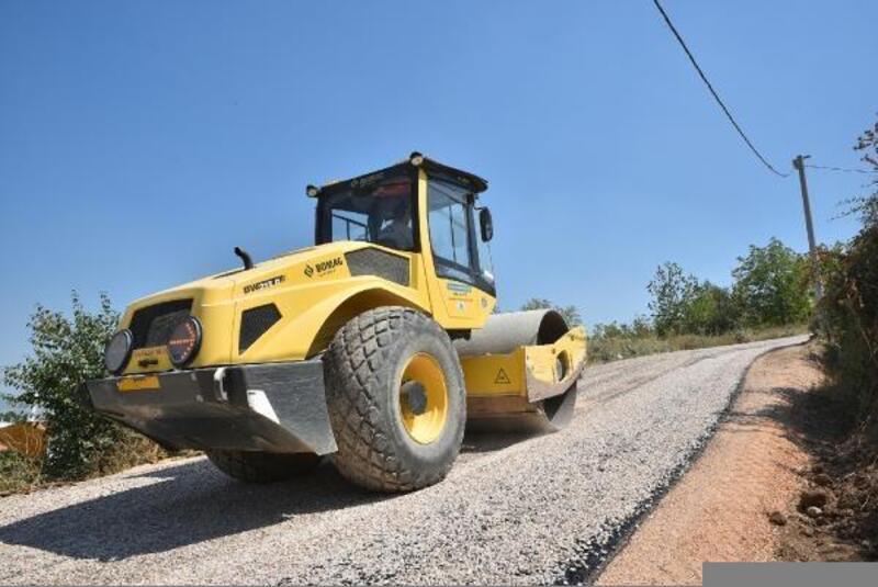 Bursa Büyükşehir Belediyesi'nin yol onarım çalışmaları sürüyor