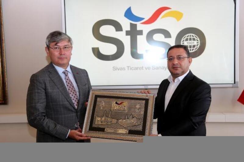 Kazakistan Büyükelçisi Saparbekuly'den STSO ziyareti