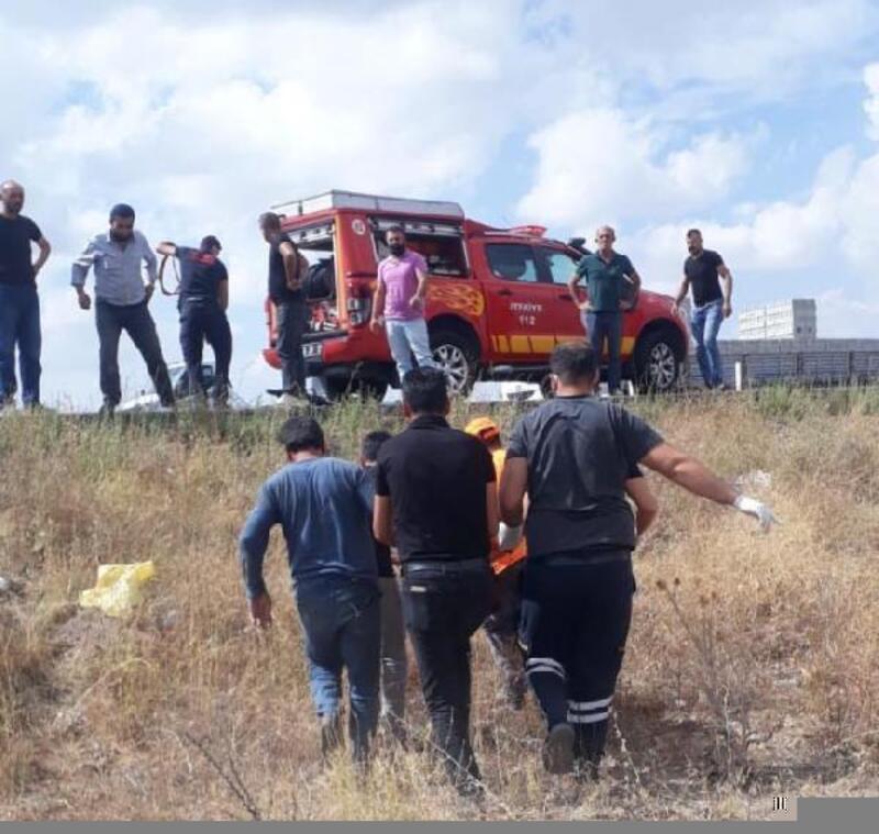 Otomobil şarampole devrildi: 3'ü çocuk 5 yaralı