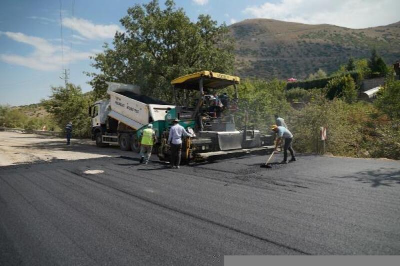 Melikgazi'de asfaltlama devam ediyor
