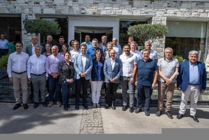 CHP'li belediye başkanları Foça'da buluştu