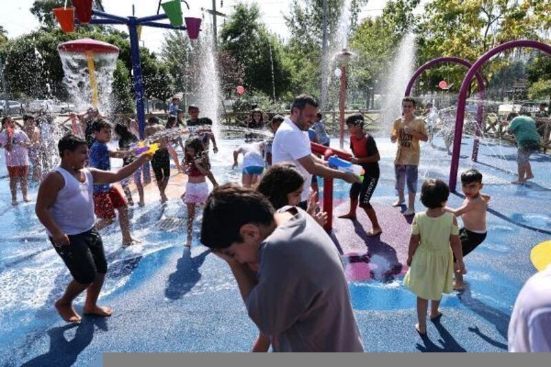 Yüreğir'in ilk Su Oyun Parkı açıldı