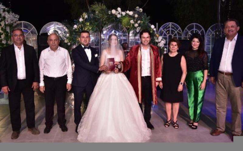 CHP İlçe Başkanı Caner evlendi