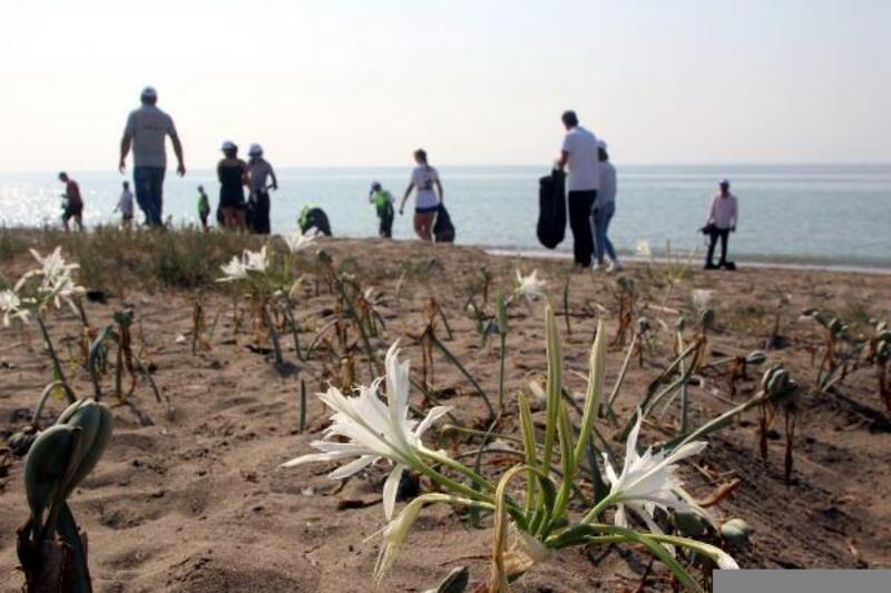 Kazanlı sahili temizlendi
