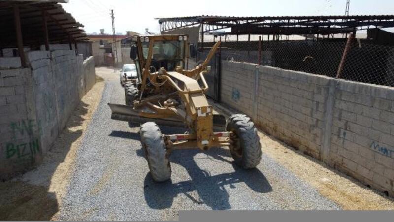 Tarsus'ta yol çalışmaları devam ediyor
