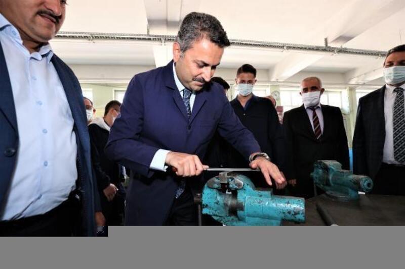 Başkan Eroğlu lise öğrencileriyle bir araya geldi