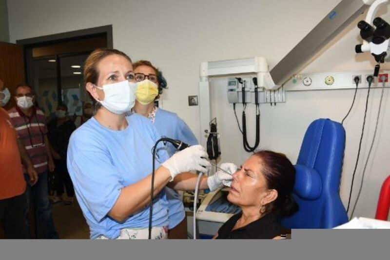Adana Şehir Hastanesi'nde erken teşhisin önemine dikkat çekmek için baş ve boyun kanseri taraması