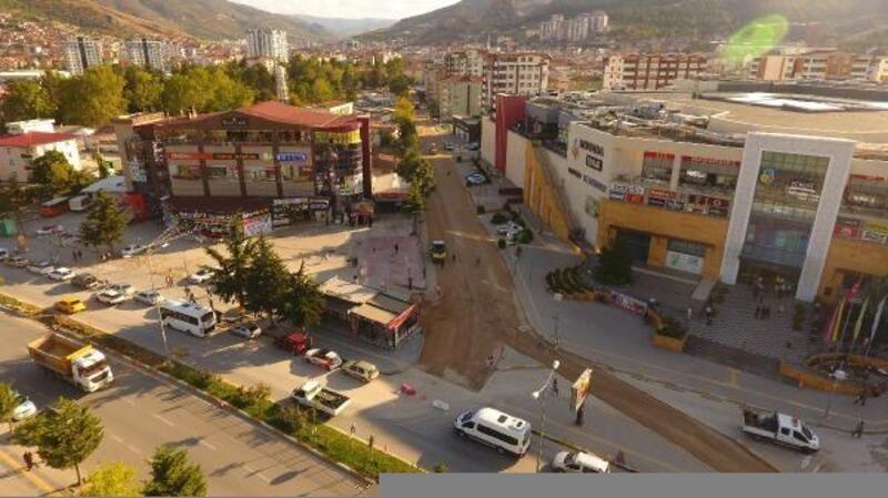 Tokat Belediyesi'nin yol çalışmaları devam ediyor
