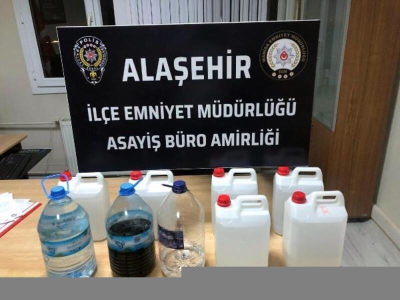 Alaşehir'de kaçak cep telefonu ve parçaları ele geçirildi