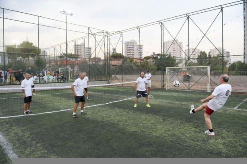 Seyhan'dan ayak tenisi turnuvası