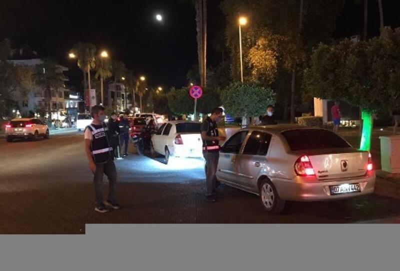 Alanya'da polisten gece denetimi