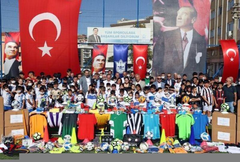 """Konak Belediye Başkanı Batur: """"Karşılık beklemeden hizmet ediyoruz"""""""