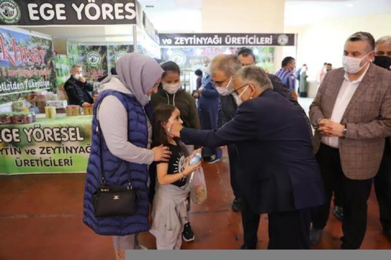 Başkan Büyükkılıç, sucuk ve pastırma işletmecilerini ziyaret etti