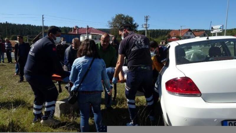 Kavşakta, 2 otomobil çarpıştı: 1 yaralı